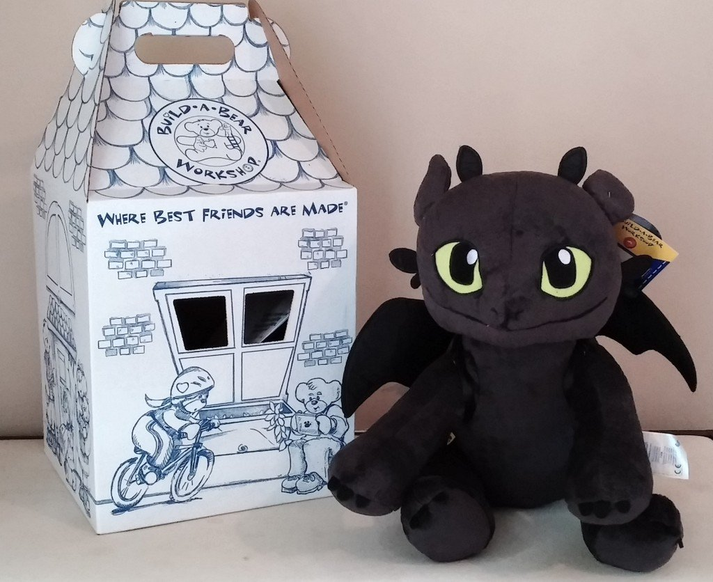 Make sure this fits by entering your model number.; Build a Bear Toothless Dragon Hoodie Tee T-Shirt Transform your stuffed animal into a Toothless toy! Your furry friend will look just like Toothless from DreamWorks How to Train Your Dragon 2, in this cool hoodie.