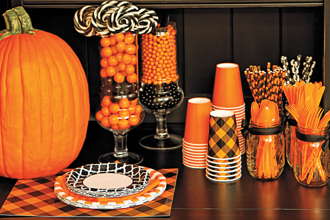 Halloween party ideas by celebrate express new hampshire - Kids halloween party decoration ideas ...